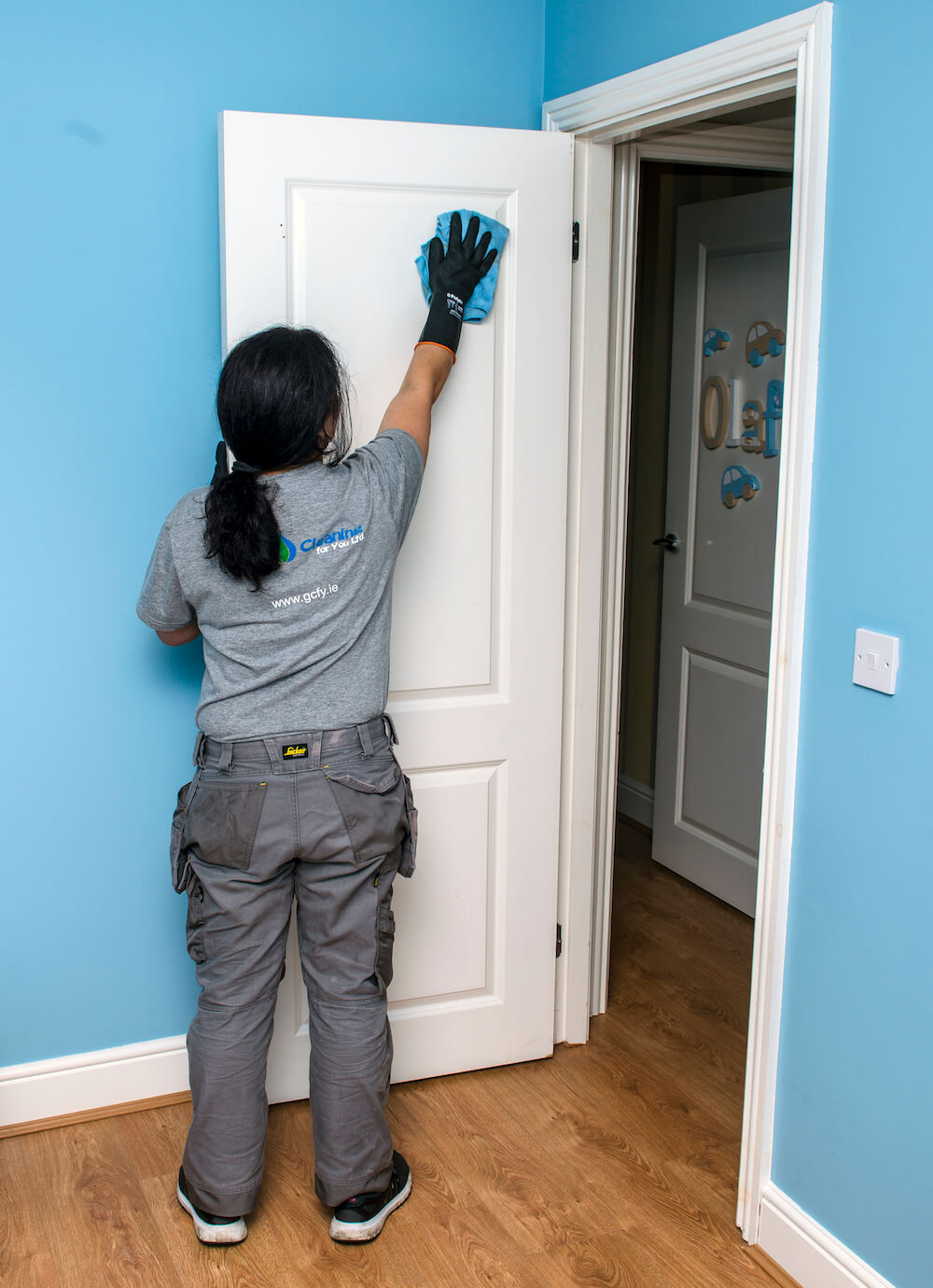 End Of Tenancy Cleaning Doors