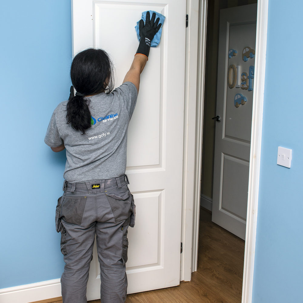 End-Of-Tenancy-Cleaning-Doors